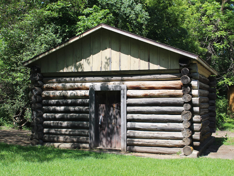 ida-dir-log-cabin1-800x600