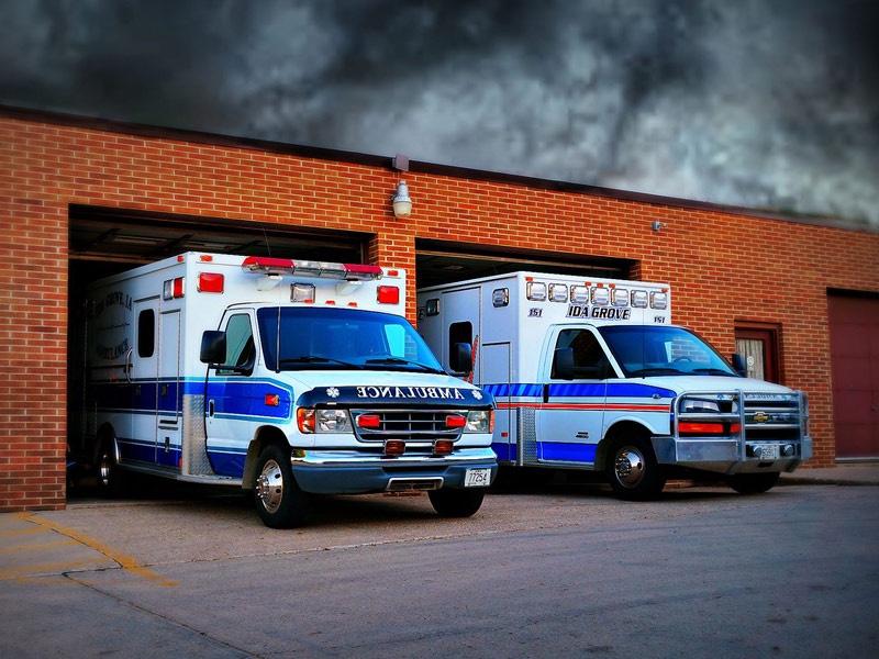 ida-dir-ambulance-service-2-800x600