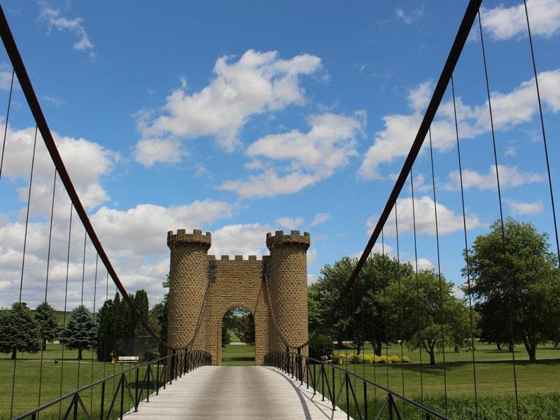ida-dir-castles-golfcourse-bridge-1-800x600