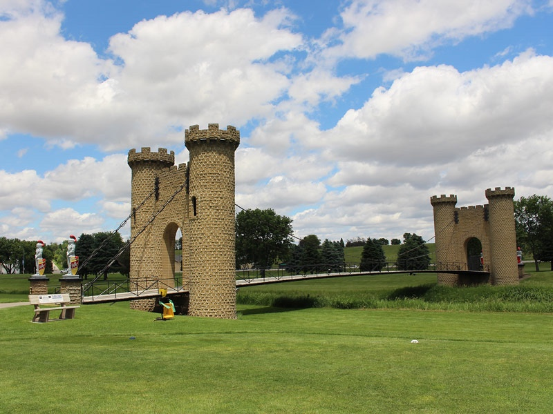 ida-dir-castles-golfcourse-bridge-3-800x600